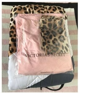 VS Pink Leopard Comforter Pillowcases Bedding Set